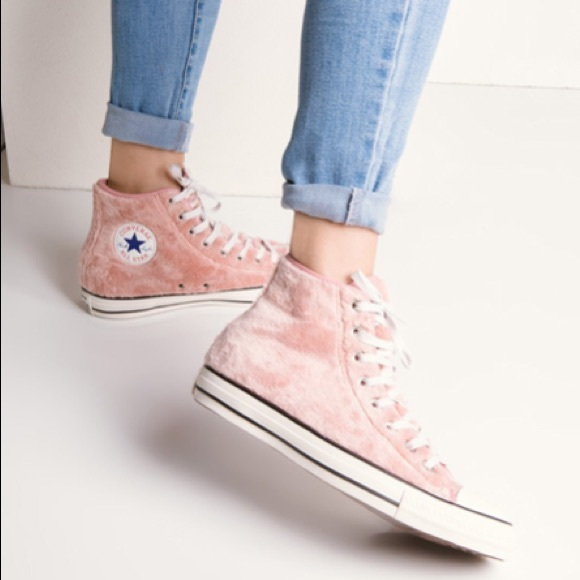 New Converse Chuck Taylor Pink Fuzzy